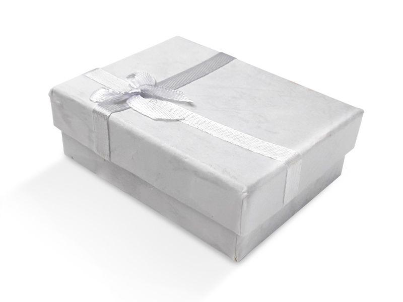 קופסה לבנה עם סרט לעגיל/תליון 6X8