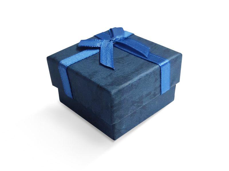 קופסה כחולה עם סרט לטבעת 5X5