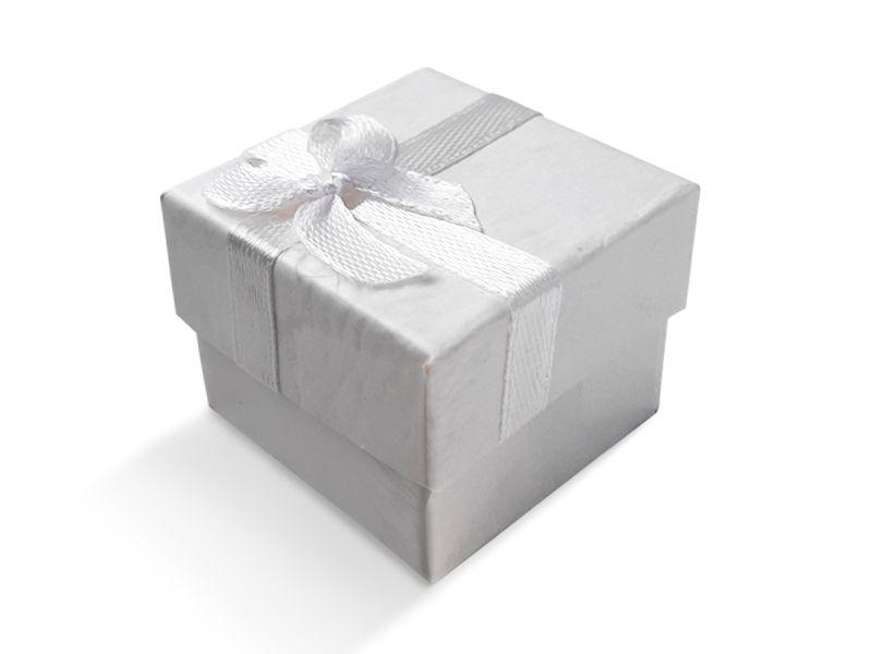 קופסה לבנה עם סרט לטבעת 4X4