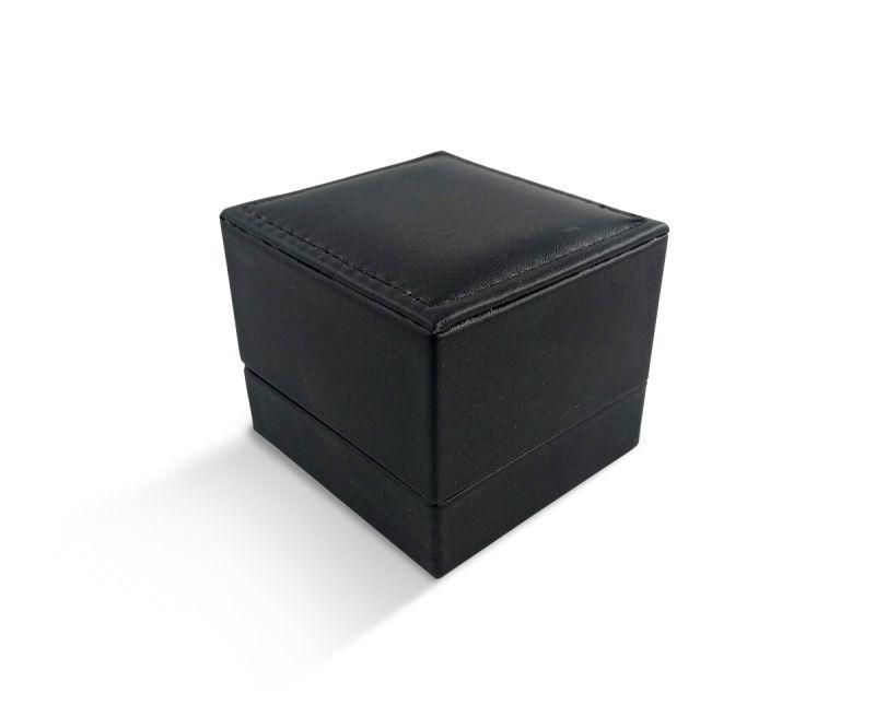 קופסת לד שחורה דמוי עור לטבעת - 6.5X6