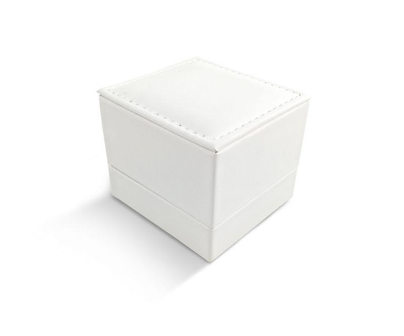 קופסת לד לבנה דמוי עור לטבעת - 6.5X6