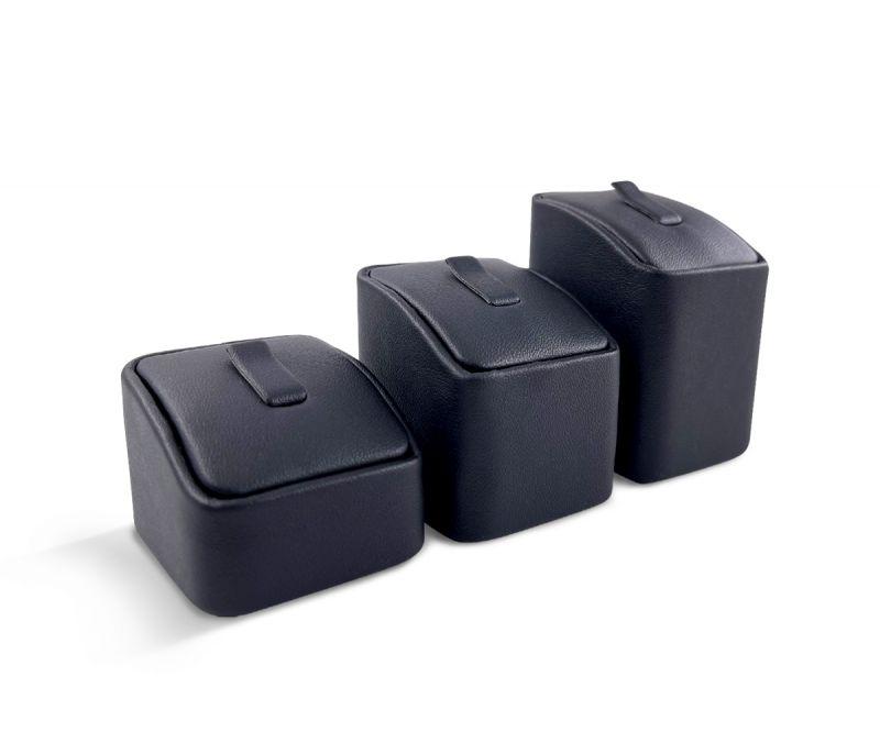 """שלישיית מעמדים לטבעות שחור 4.5X4.5 ס""""מ"""